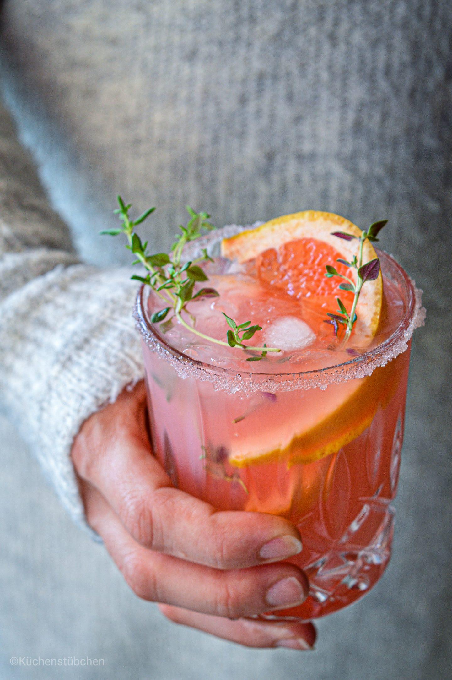 Rhabarber Grapfruit Sirup mit frischem Thymian