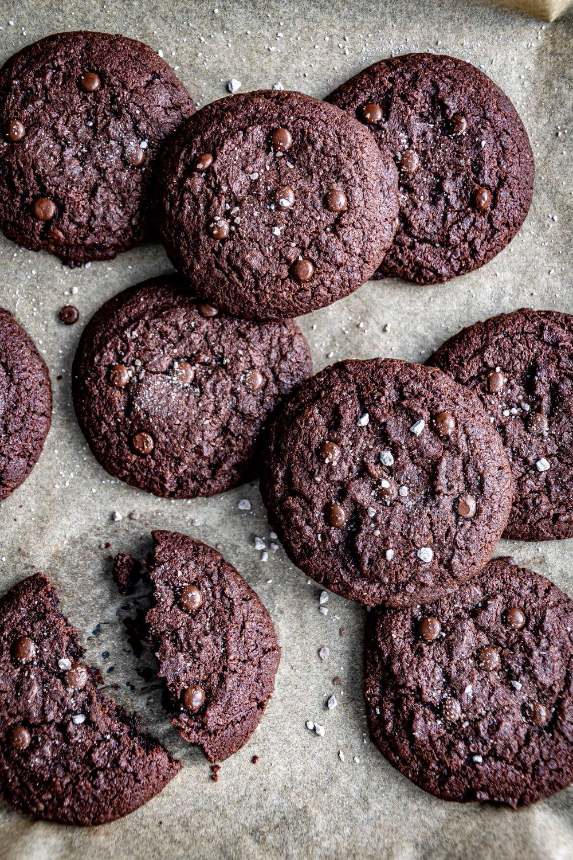 Saftige Schoko Cookies mit Alpensalz