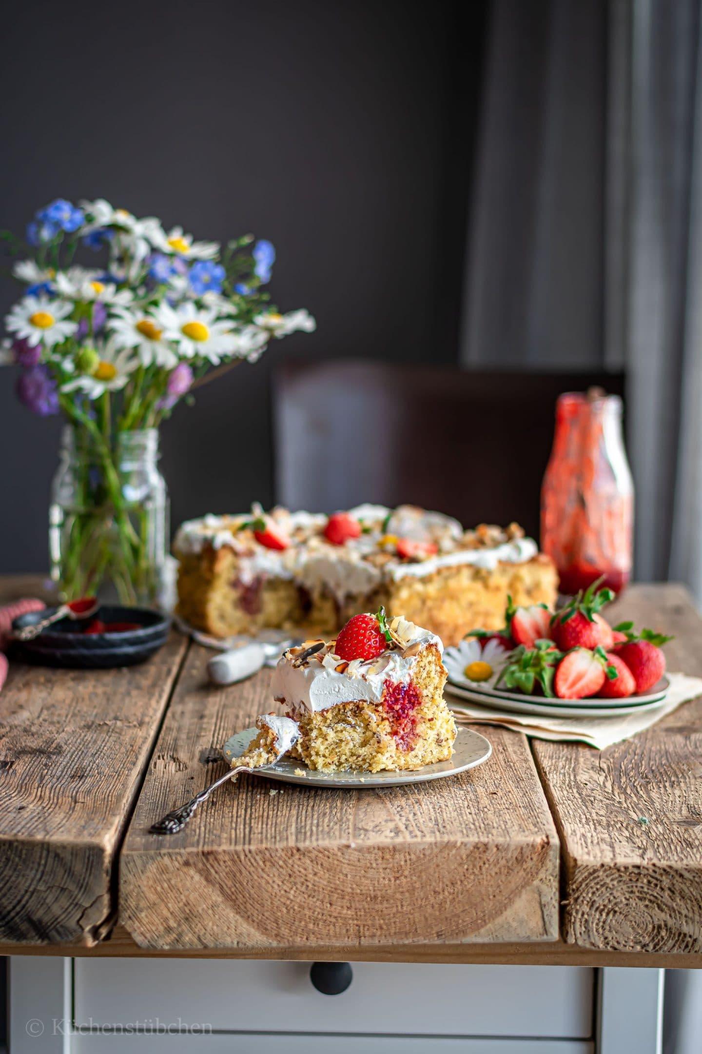 Erdbeer Karamell Poke Cake